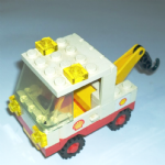 Lego tow truck from 6371 Shell Service station Original Vintage 1983